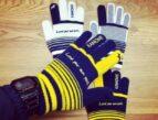 香川県 サッカーチーム シーガルFCジュニアユース様 オリジナル手袋